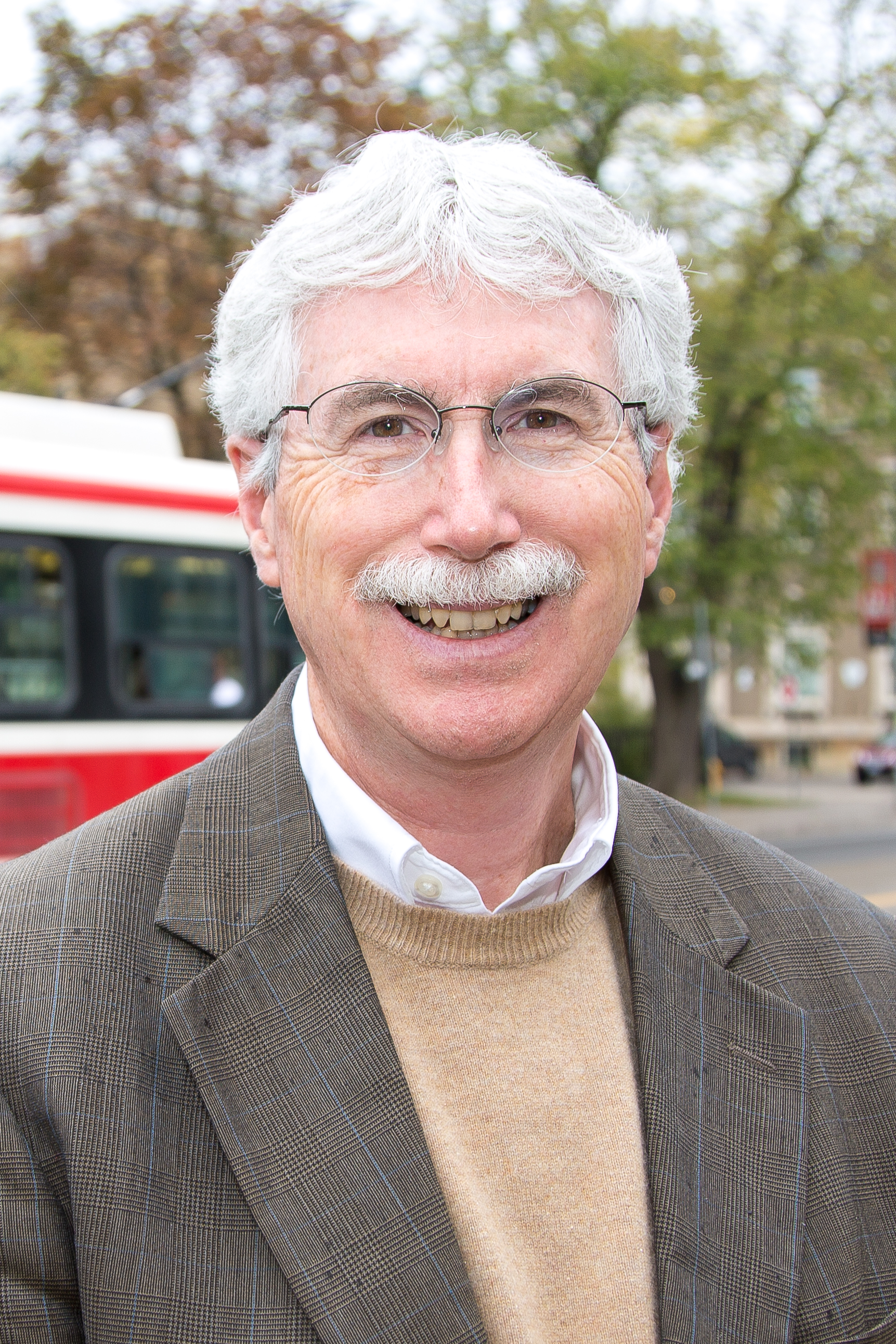 Photo of Professor Eric J. Miller